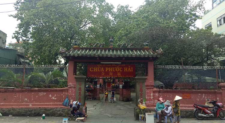 Chùa Ngọc Hoàng – Chùa cầu con nổi tiếng ở Sài Gòn