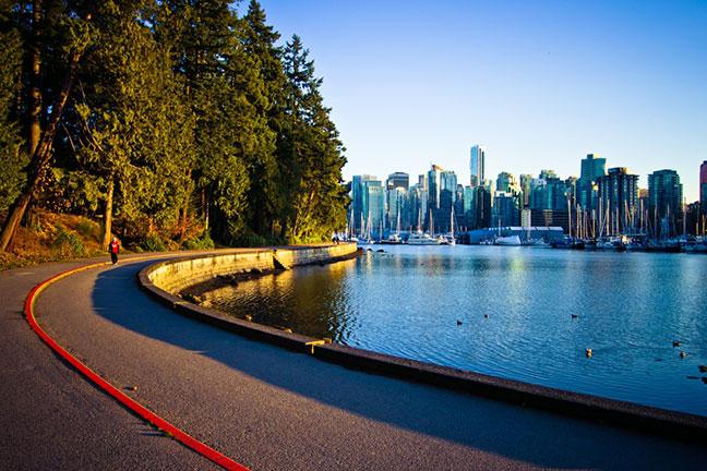vẻ đẹp con đường seawall - vancouver