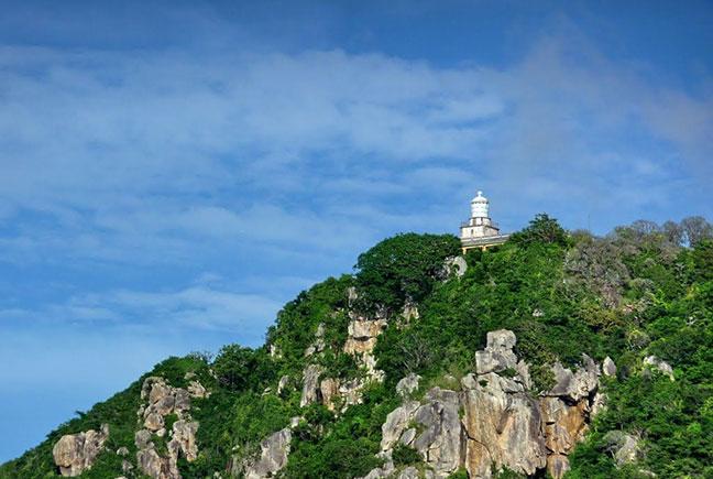 ngọn hải đăng vũng tàu nhìn từ xa