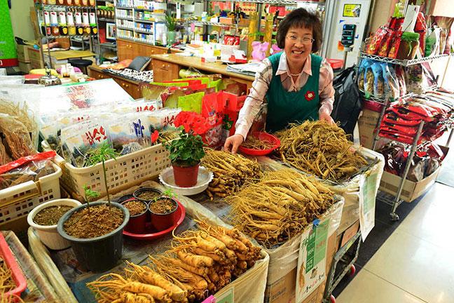 rất nhiều nhân sâm bổ dưỡng được bán tại seoul