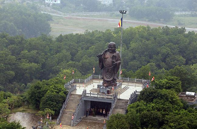 Tượng Phật Di Lặc chùa Bái Đính