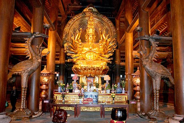 Tượng Quan Thế Âm Bồ Tác tại chùa bái đính