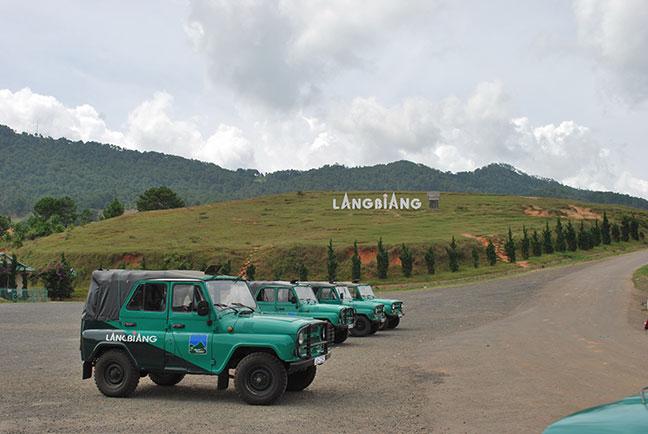 thuê xe jeep lên núi langbiang