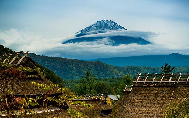 vẻ đẹp núi phú sĩ nhìn từ xa