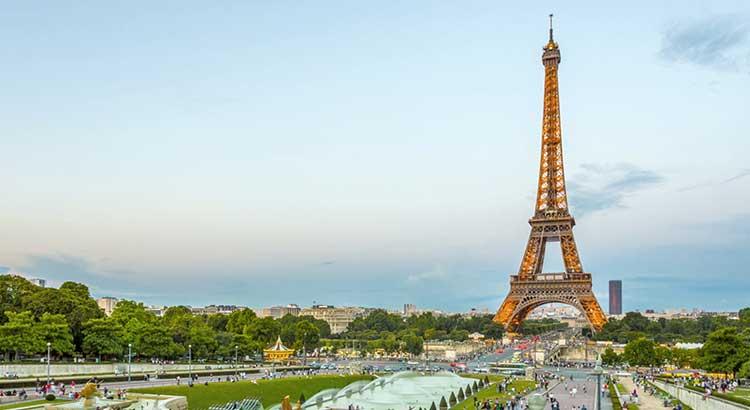 Khám phá tháp Eiffel - Biểu tưởng của nước Pháp