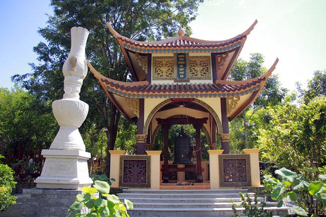 Tháp chuông chùa Khỉ