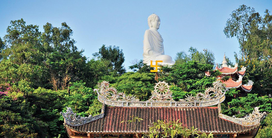 Viếng thăm chùa Long Sơn tại Nha Trang